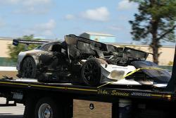 The burned #33 Riley Motorsports SRT Viper GT3-R: Ben Keating, Jeroen Bleekemolen, Sebastiaan Bleekemolen
