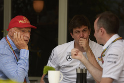 (L to R): Niki Lauda, Mercedes Non-Executive Chairman with Toto Wolff, Mercedes AMG F1 Shareholder and Executive Director and Paddy Lowe, Mercedes AMG F1 Executive Director