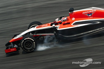 Jules Bianchi, Marussia F1 Team MR03 locks up under braking