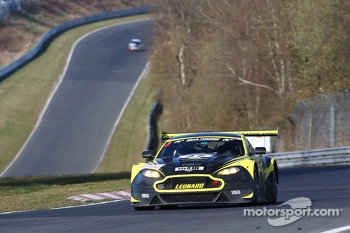 Stuart Leonard, Paul Wilson, Aston Martin Test Center, Aston Martin V12 Vantage GT3