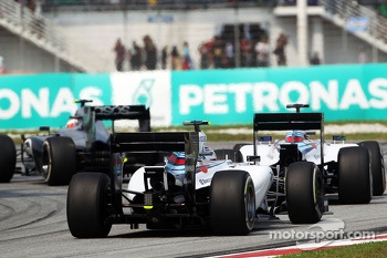 Kevin Magnussen, McLaren MP4-29 leads Felipe Massa, Williams FW36 and Valtteri Bottas, Williams FW36