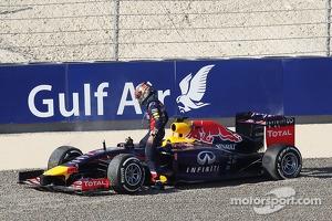 Sebastian Vettel, Red Bull Racing RB10 spins off the circuit in FP3