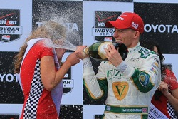 Mike Conway, Ed Carpenter Racing Chevrolet celebrates