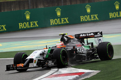 Sergio Perez, Sahara Force India F1 VJM07 runs wide