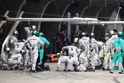 Mercedes AMG F1 make a pit stop
