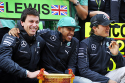 F1: Toto Wolff, Mercedes AMG F1 Shareholder and Executive Director; race winner Lewis Hamilton, Mercedes AMG F1 and second placed Nico Rosberg, Mercedes AMG F1 celebrate with the team