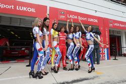 Mikhail Kozlovskiy, LADA Granta 1.6T, LADA Sport Lukoil and Grid Girls