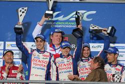 Podium: race winners Anthony Davidson, Nicolas Lapierre, Sebastien Buemi