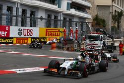 Sergio Perez, Sahara Force India F1 VJM07 on the formation lap