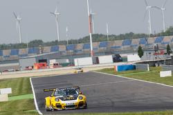 #3 Team Schütz Motorsport Porsche 911 GT3 R: Martin Ragginger, Jaap van Lagen