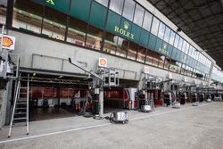 A huge pit area for AF Corse