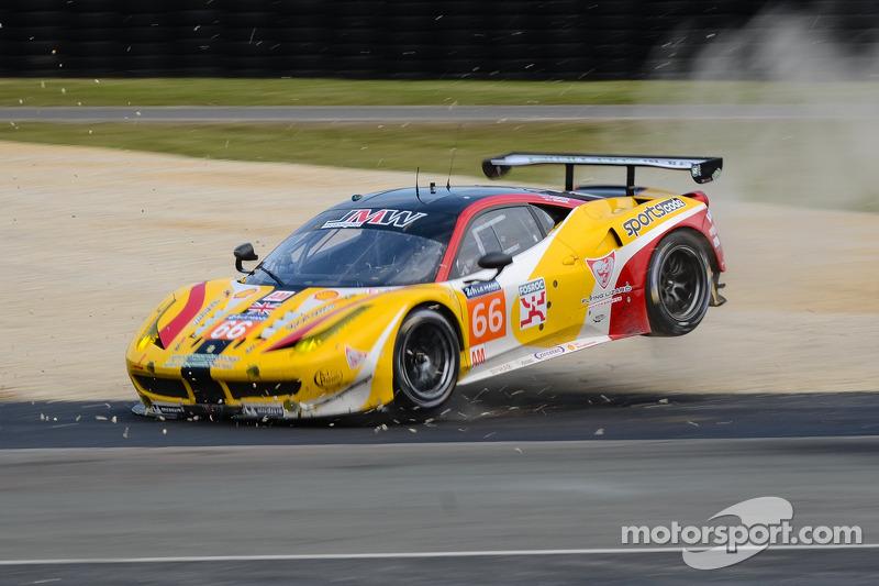 http://cdn-0.motorsport.com/static/img/mgl/1700000/1710000/1710000/1710800/1710800/s8/lemans-24-hours-of-le-mans-test-day-2014-66-jmw-motorsport-ferrari-458-italia-abdulaziz-al.jpg