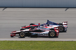 Helio Castroneves, Penske Racing Chevrolet and Takuma Sato, A.J. Foyt Enterprises Honda
