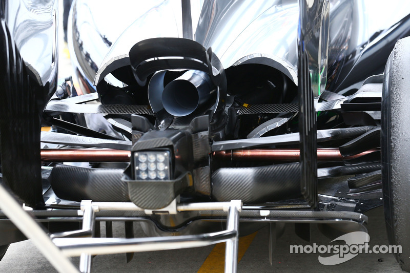 Mercedes AMG F1 W05 rear diffuser detail
