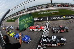 NASCAR-TRUCK: Start: Darrell Wallace Jr. leads