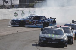 Elliott Sadler crashes