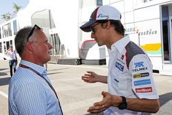 (L to R): Johnny Herbert, with Esteban Gutierrez, Sauber