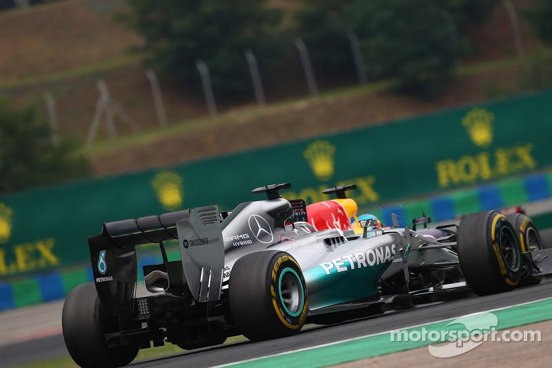 Lewis Hamilton, Mercedes AMG F1 W05 and Sebastian Vettel, Red Bull Racing RB10