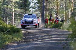 WRC: Hayden Paddon and John Kennard, Hyundai i20 WRC, Hyundai Motorsport
