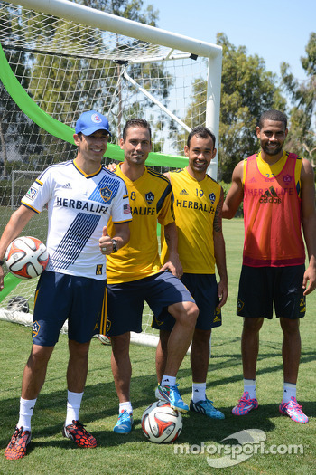 Helio Castroneves practices with the LA Galaxy