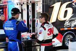 Carl Edwards, Roush Fenway Racing Ford and Greg Biffle, Roush Fenway Racing Ford