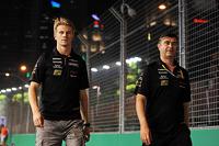 (L to R): Nico Hulkenberg, Sahara Force India F1 walks the circuit with Bradley Joyce, Sahara Force India F1 Race Engineer