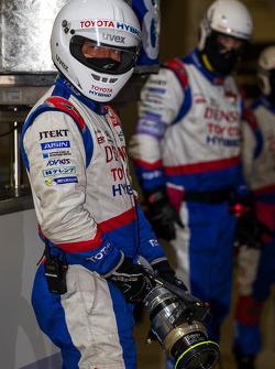 Toyota pit crew ready to refuel