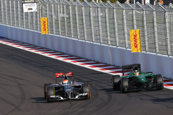 Adrian Sutil, Sauber F1 Team and Kamui Kobayashi, Caterham F1 Team