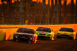Kurt Busch, Stewart-Haas Racing Chevrolet, Paul Menard, Richard Childress Racing Chevrolet and Marcos Ambrose, Richard Petty Motorsports Ford