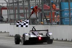 Sam Bird, Virgin Racing takes the win