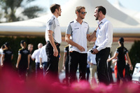 Jenson Button, McLaren, with Mike Collier, Personal Trainer
