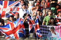 Lewis Hamilton, Mercedes AMG F1 and Nico Rosberg, Mercedes AMG F1 fans