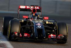 Alex Lynn, Lotus F1 Team