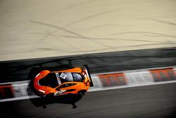 #59 McLaren 650S GT3: Alvaro Parente, Kevin Estre, Rob Bell