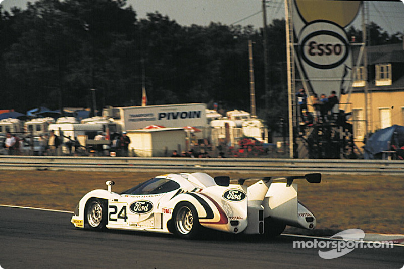 #24 Ford Concessionaires France Rondeau M482 Ford: Thierry Boutsen, Henri Pescarolo