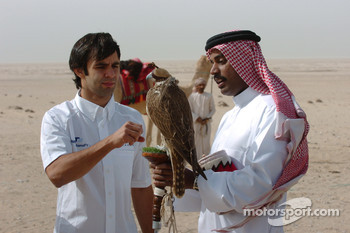 Antonio Pizzonia with a falcon