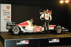 Enrique Bernoldi and the new BAR Honda 007