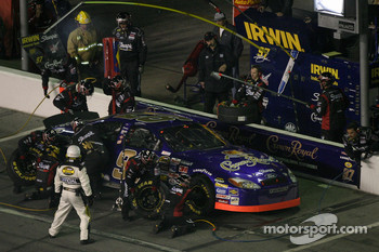 Pitstop at the end of the first segment: Kurt Busch