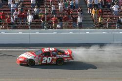 Denny Hamlin in trouble in last lap