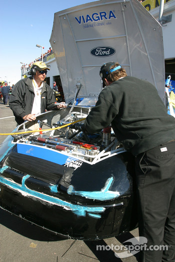 Viagra Ford crew still at work on the damaged #6 car of Mark Martin