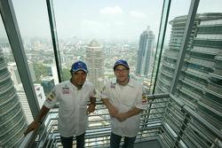 Sauber Petronas demo run in Kuala Lumpur: Felipe Massa and Jacques Villeneuve