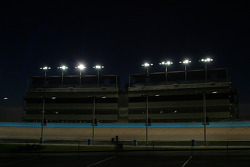 New lighting system in action at Phoenix International Raceway