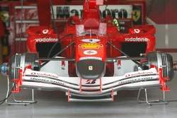 Front nose of the Ferrari F2005 in black to honour the memory of the Pope John Paul II