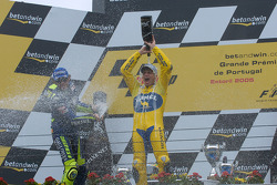 Podium: champagne for Valentino Rossi and Alex Barros