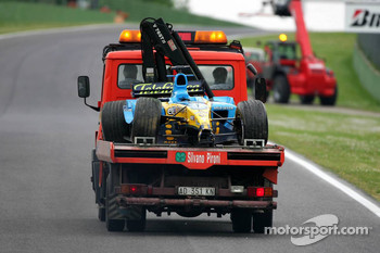 The wrecked car of Giancarlo Fisichella back on the plafform truck