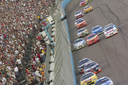 Kyle Busch, Elliott Sadler, Mike Bliss, Jamie McMurray, Bobby Hamilton Jr., Casey Mears, Jeff Green, Ricky Rudd and Dale Jarrett