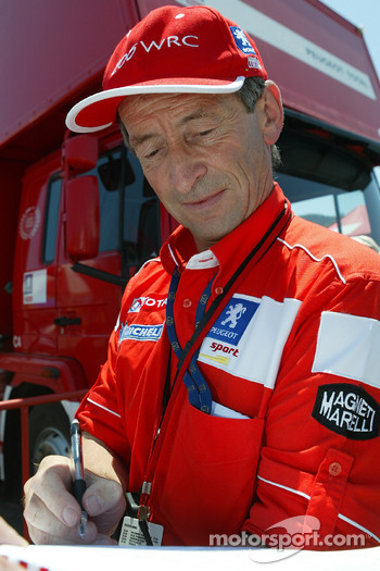 Marlboro Peugeot Total coordinator Vincent Laverne