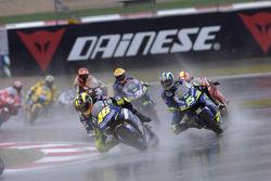 Valentino Rossi leads Sete Gibernau