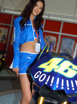 A charming Yamaha hostess