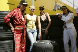 Russian beauties visit team Jordan
